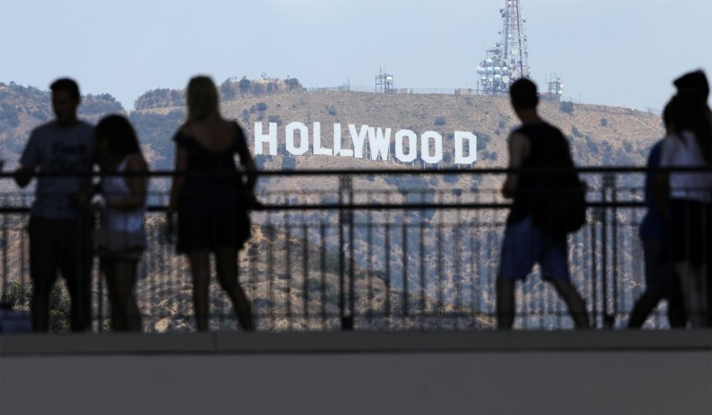 Poll: Hollywood plays along with the leftists