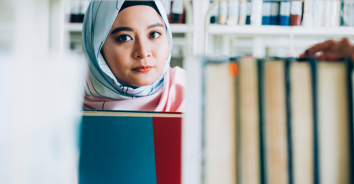UK: English schoolgirls asked to wear Islamic headscarf for 'Hijab Day' in November