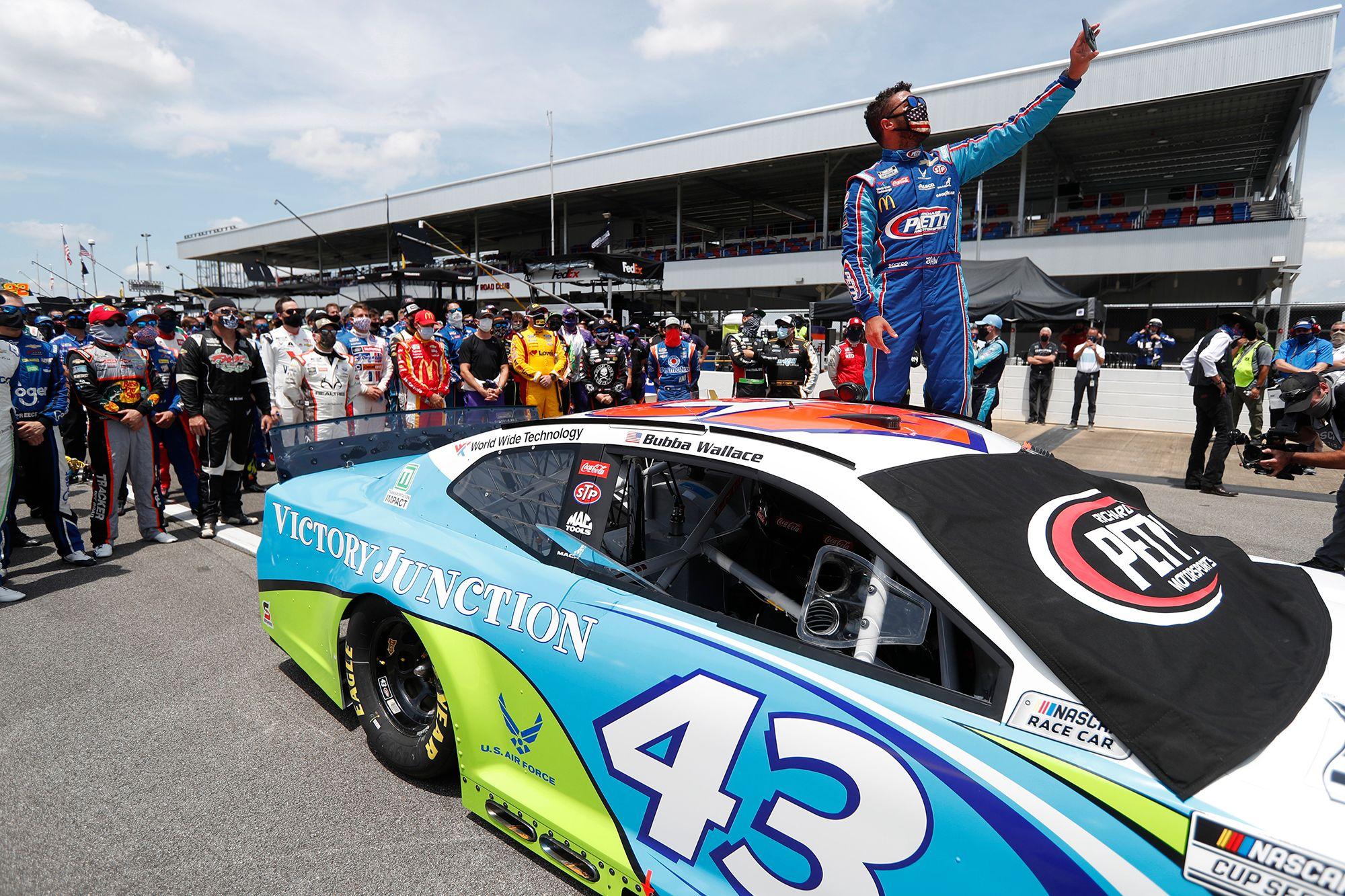 Bubba Wallace Owes NASCAR Fans an Apology