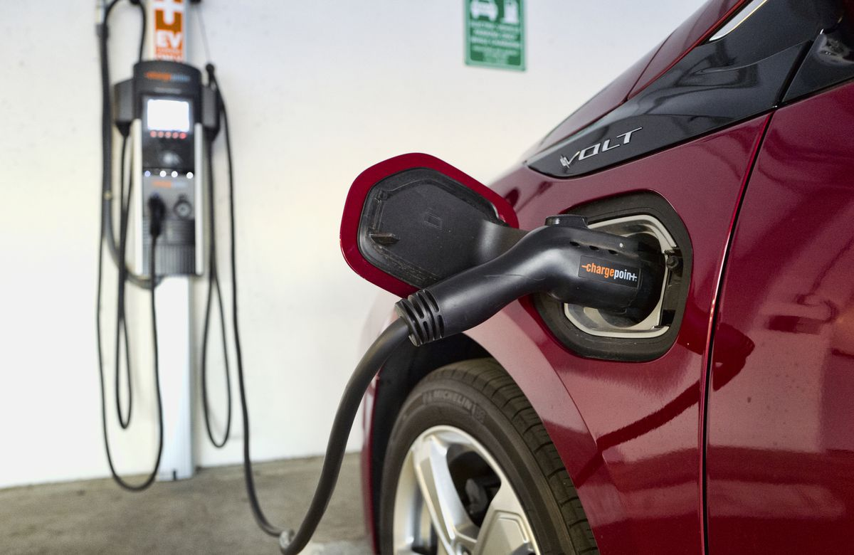 General Motors says it will stop making gas-powered vehicles by 2035