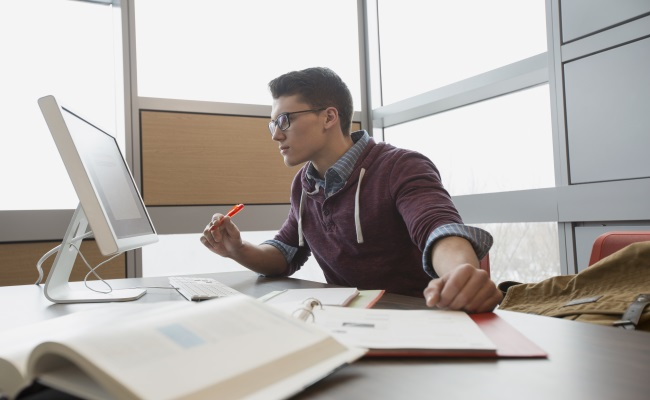 5 Advantages to Earning Your Degree Online