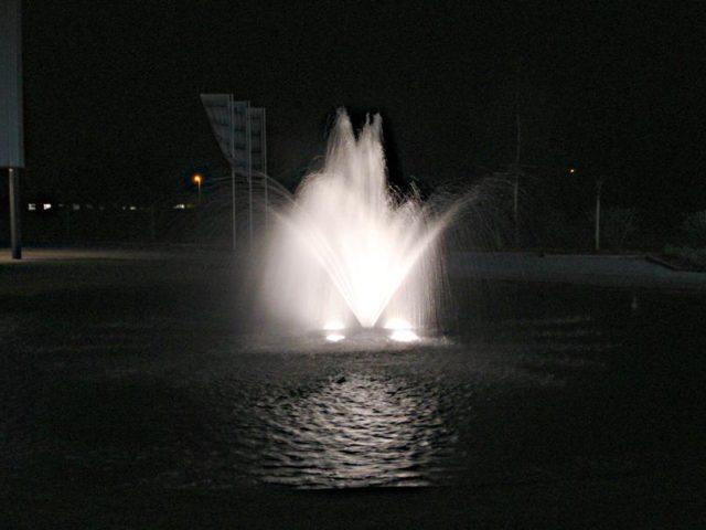 Aquamaster-Crystal-Geyser-1HP-LED