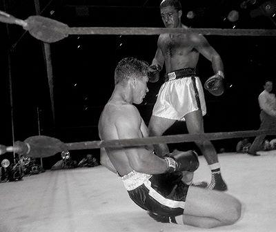 """Rocky Marciano vs. Harry """"Kid"""" Matthews in 1952"""