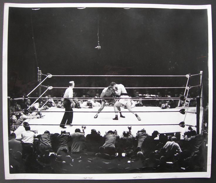 Rocky Marciano vs. jersey Joe Walcott II in 1953 (CLICK ON PHOTO TO VIEW FIGHT ACTION)