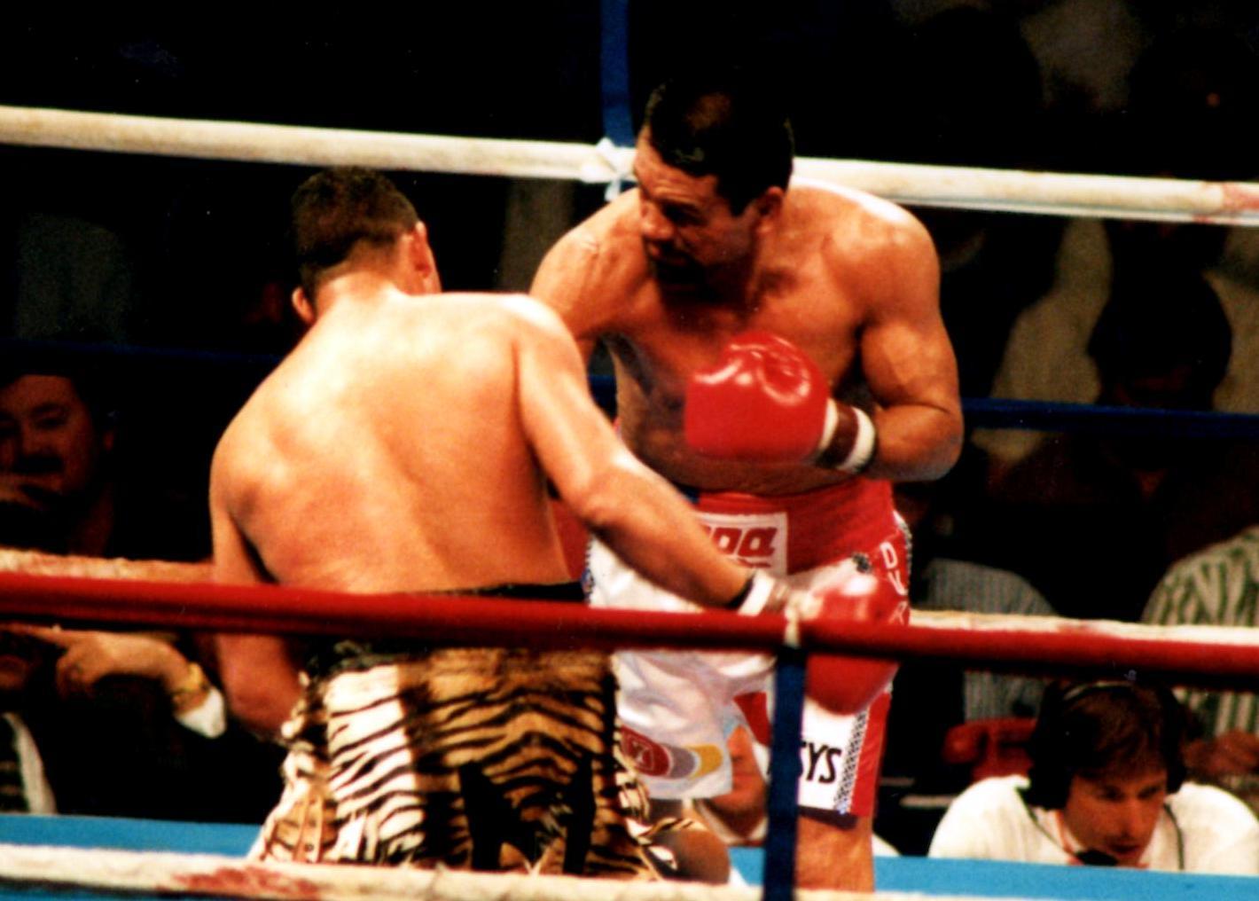 """Roberto Duran v. Hector """"Macho"""" Camacho in 1996."""