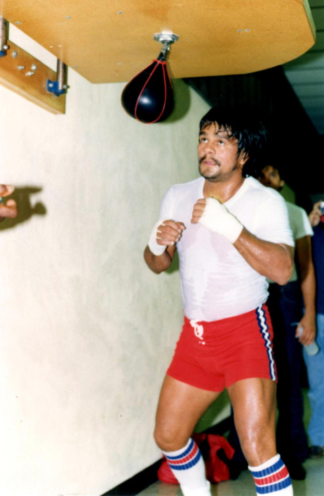 Roberto Duran in 1983 training for his bout with Davy Moore for the WBA jr. middleweight title