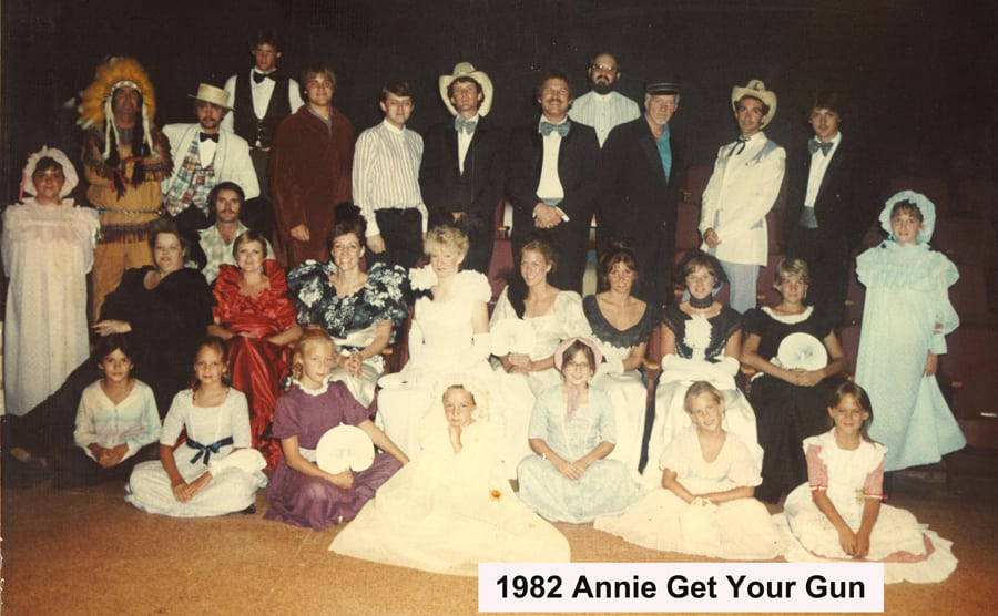 1982-July-Annie-Get-Your-Gun-cast-photo
