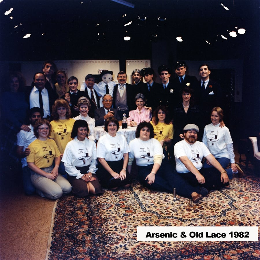 1983-Arsenic-&-Old-Lace-photo