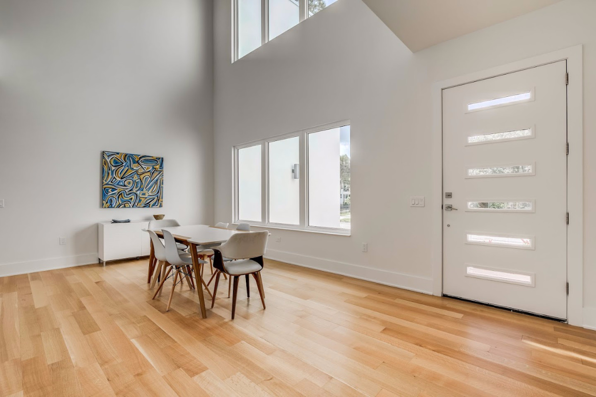 Abuance-of-Natural-Light-at-2624-N-Dundee-Sunset-Park-Real-Estate