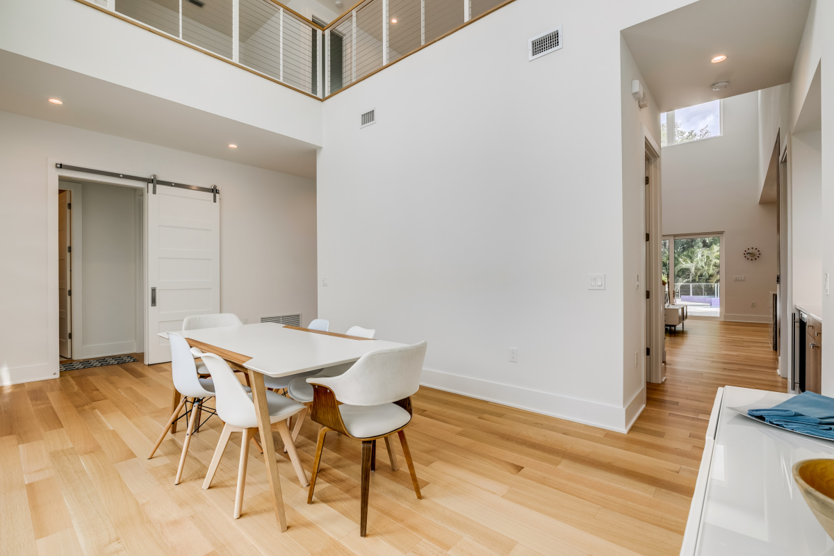 Over-Air-Dining-or-Sitting-Room-Makes-this-area-versitile-at-2624-N-Dundee