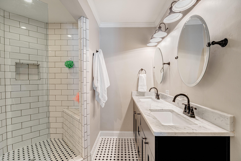 409-Erie-Bathroom-Suite-Double-Vanity-Davis-Islands
