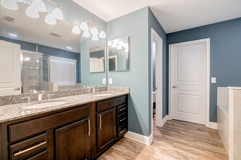 Granite-Vanities-in-Master-Suite-Home-for-Sale-on-Davis-Islands