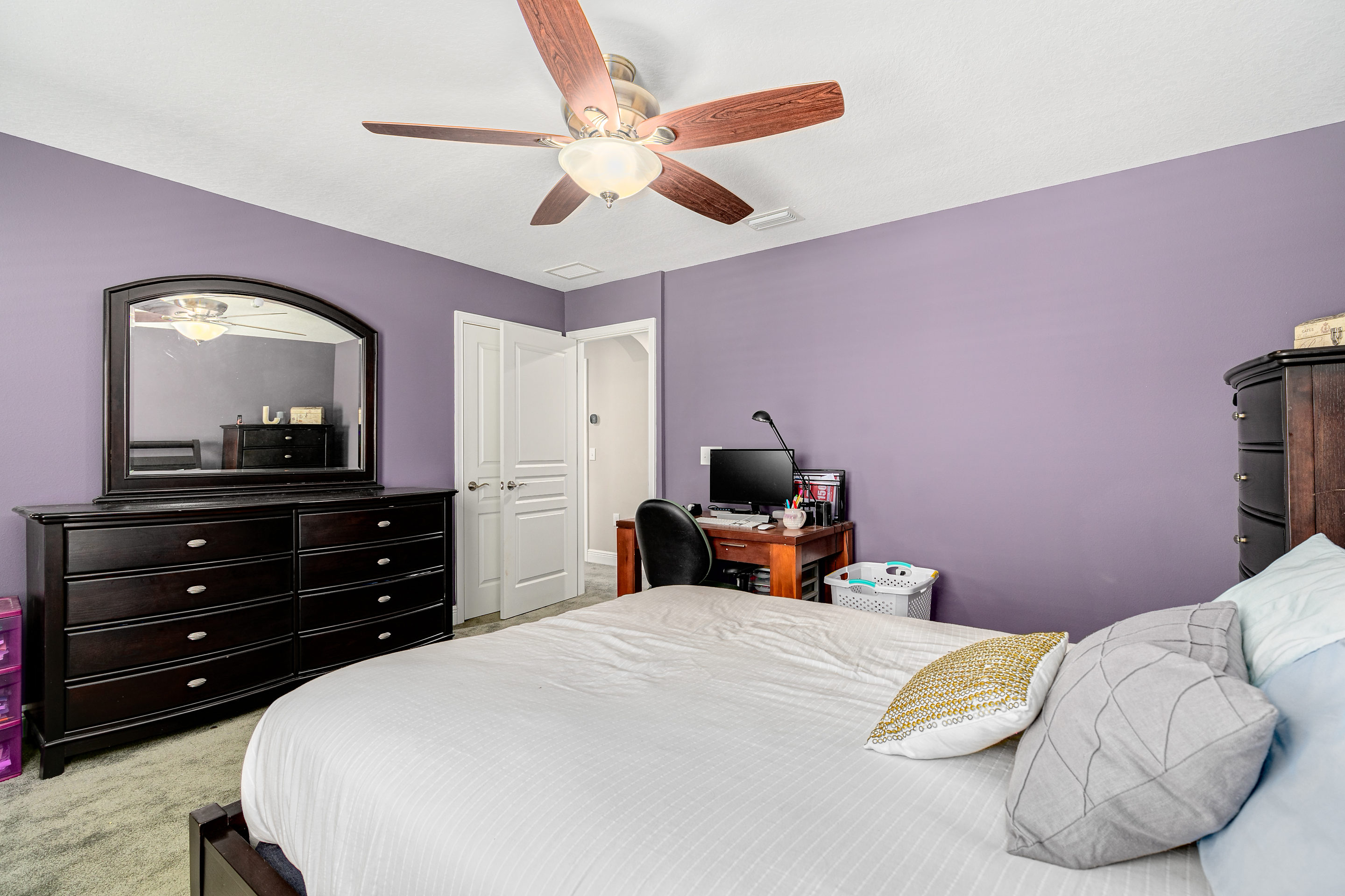 Guest-Bedroom-at-406-Chippewa-Home-for-Sale-on-Davis-Islands