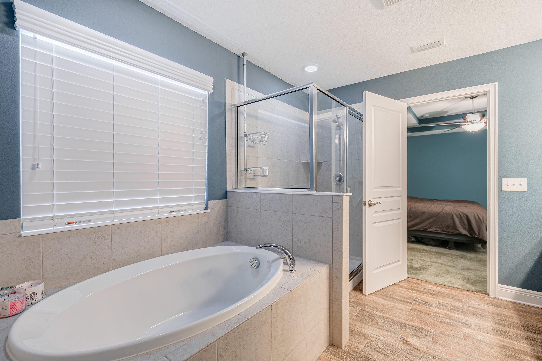 Soaking-Tub-and-Shower-at-406-Chippewa-on-Davis-Islands-Homes-Cristan-Fadal