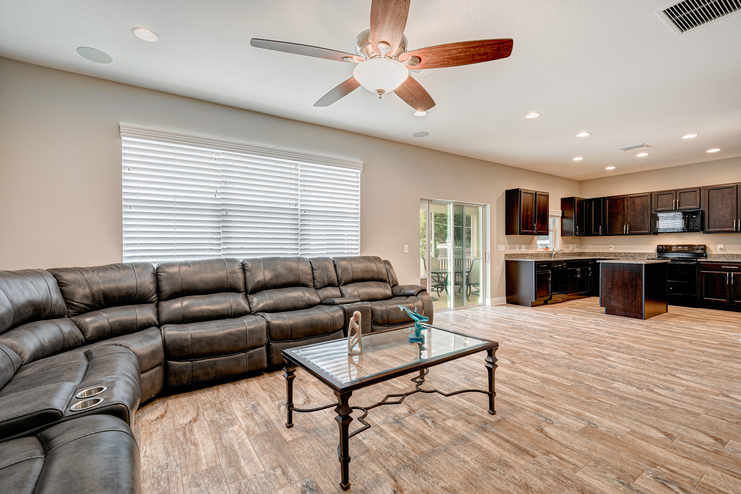 Wide-Plank-Tile-Flooring-at-406-Chippewa-Ave-Davis-Islands