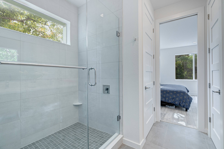 Frameless Shower in Master Suite North Hyde Park Real Estate