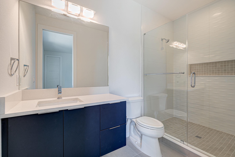 Guest Bath with Quartz Vanities at 1314 W Lemon St