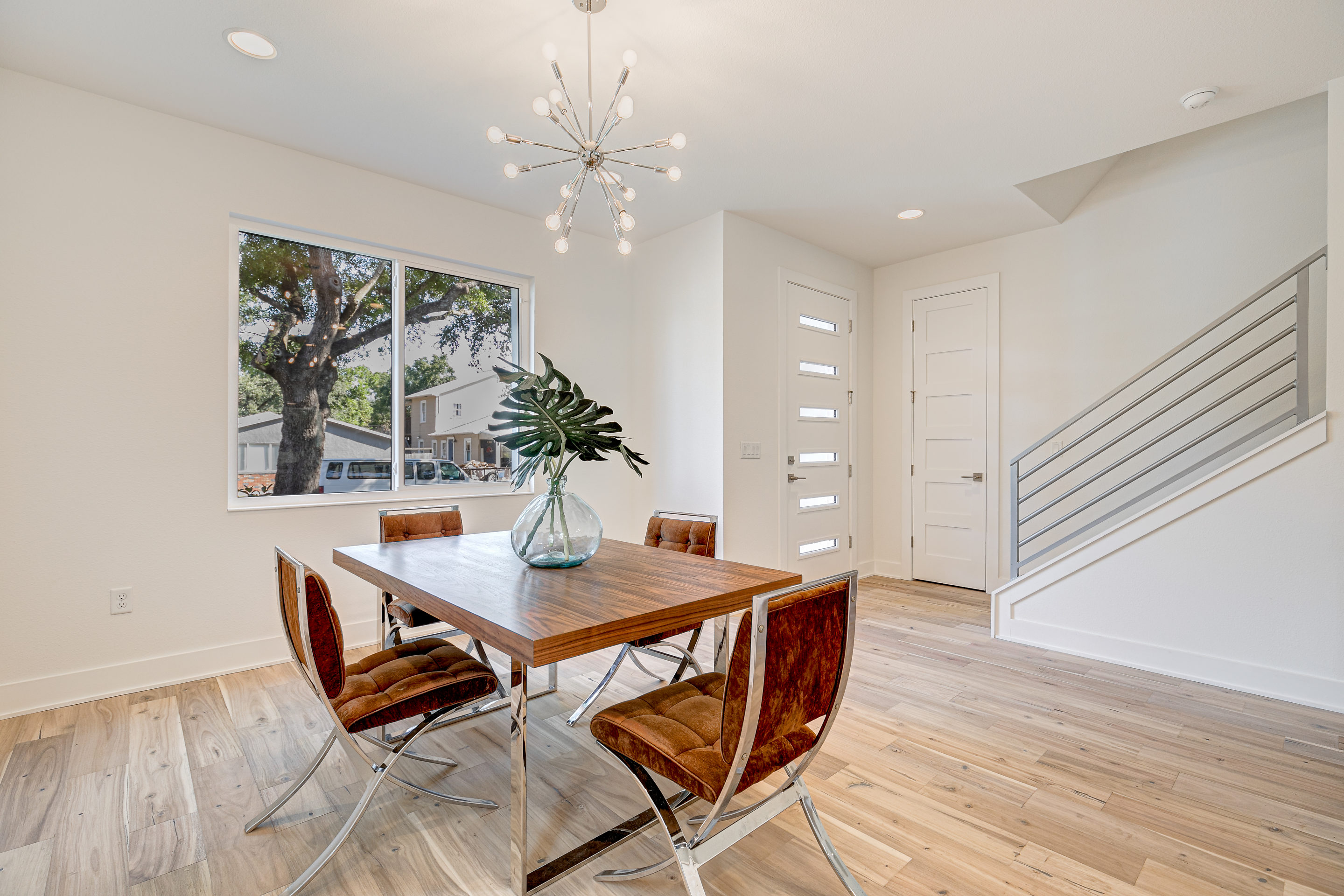 Open Dining Room at North Hyde Park Real Estate
