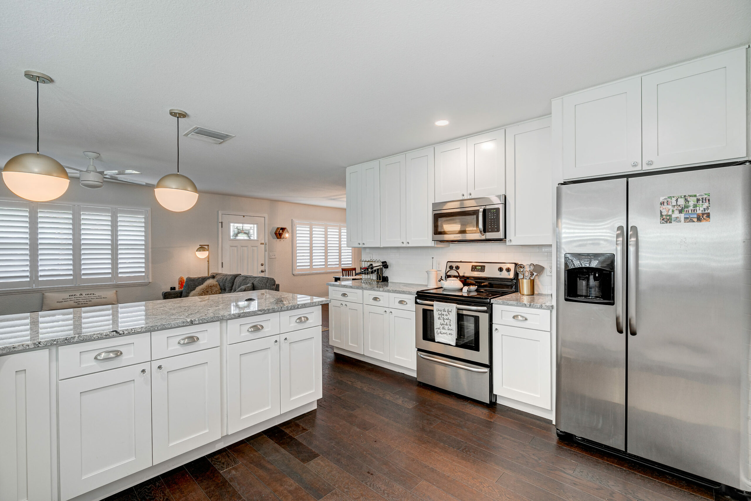 4305-Bay-Ave-Large-Kitchen