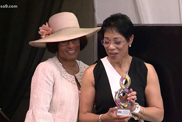 WUSA9's own Andrea Roane honored by the Afro American Newspapers