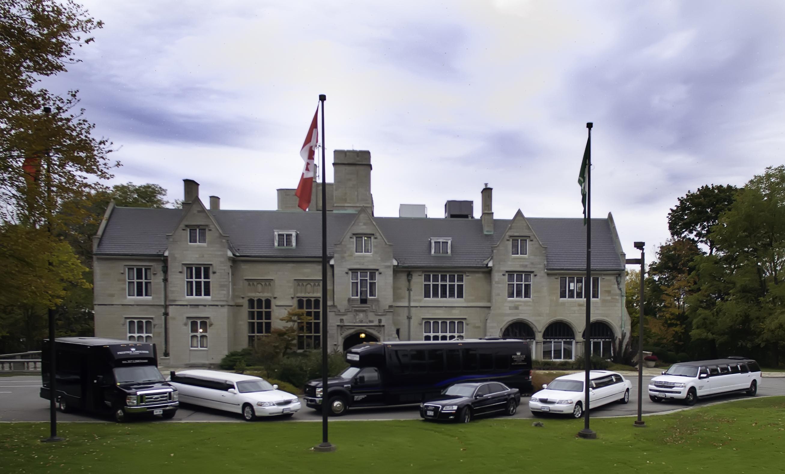Prestige Limousine Niagara Fleet (6)