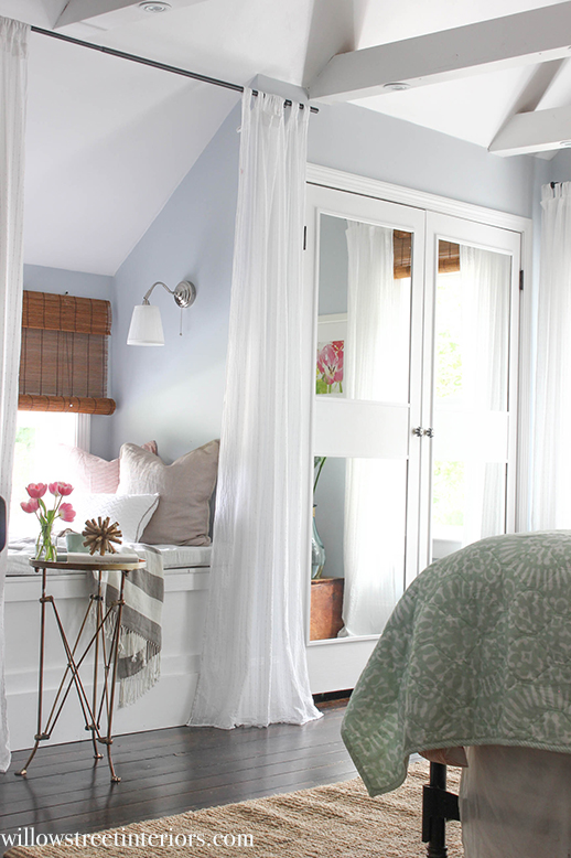 window seat and bedding