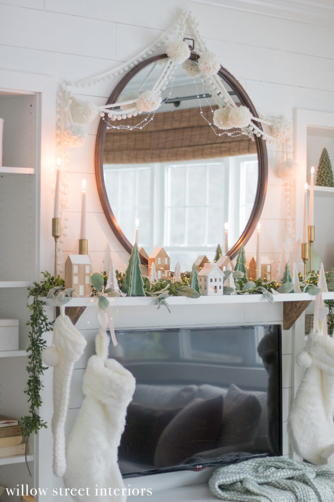 Christmas Mantel Decorating Idea