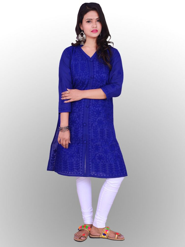 If you are buying a Chikankari Kurti, don't forget to check its neatness and precious work. Also, the loose threads or thickness of the fabric help you to guess the original chikankari