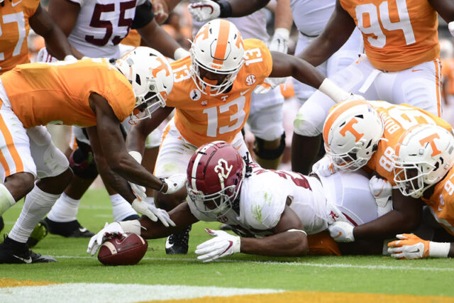Alabama running back Najee Harris (22) nearly scores a touchdown in the first half of a game between Alabama and Tennessee at Neyland Stadium in Knoxville, Tenn. on Saturday, Oct. 24, 2020.