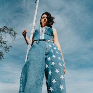 Pantalon reciclado con estrellas