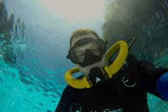 Double-hose-regulator-scuba-diving-3