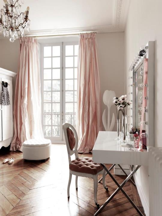 pink drapes interior decorating