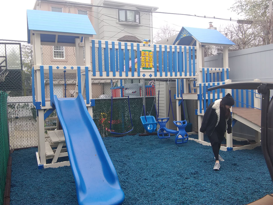 playset with blue mulch