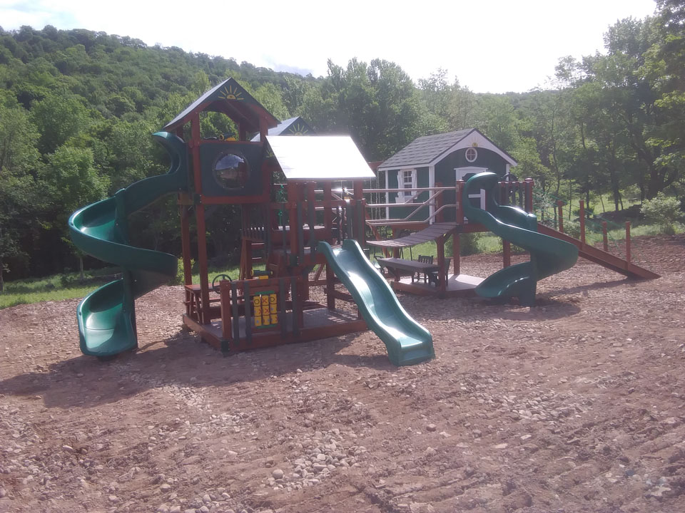 enclosed cabin playset