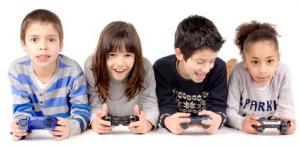 KidsPlaying-ShirinSherkat