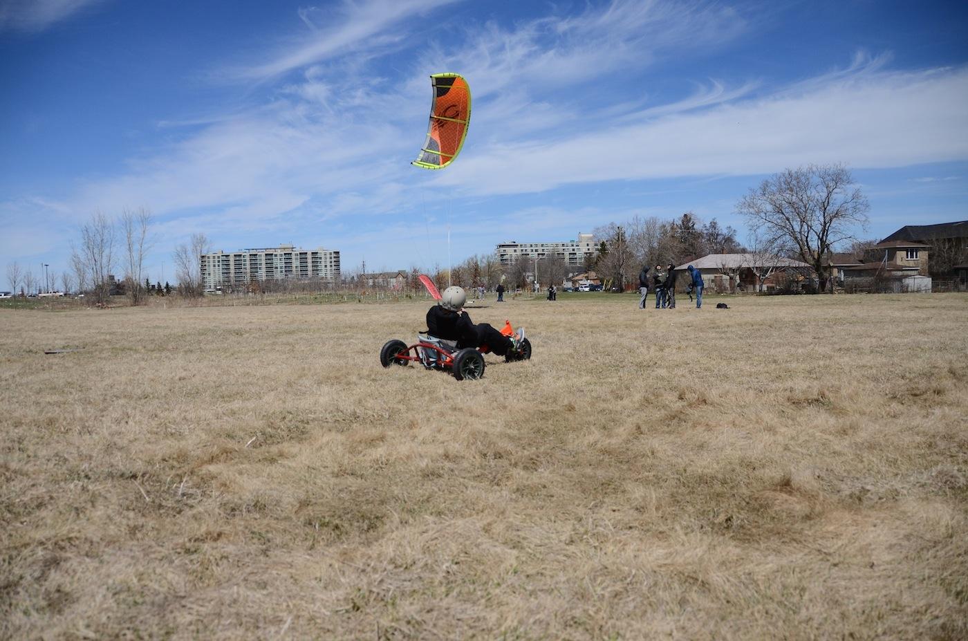 land buggy kitesurfing
