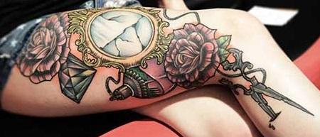 leg-tattoos-mirror-girls