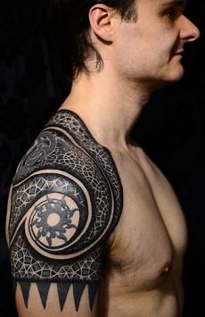 shoulder-tattoos-men-tribal