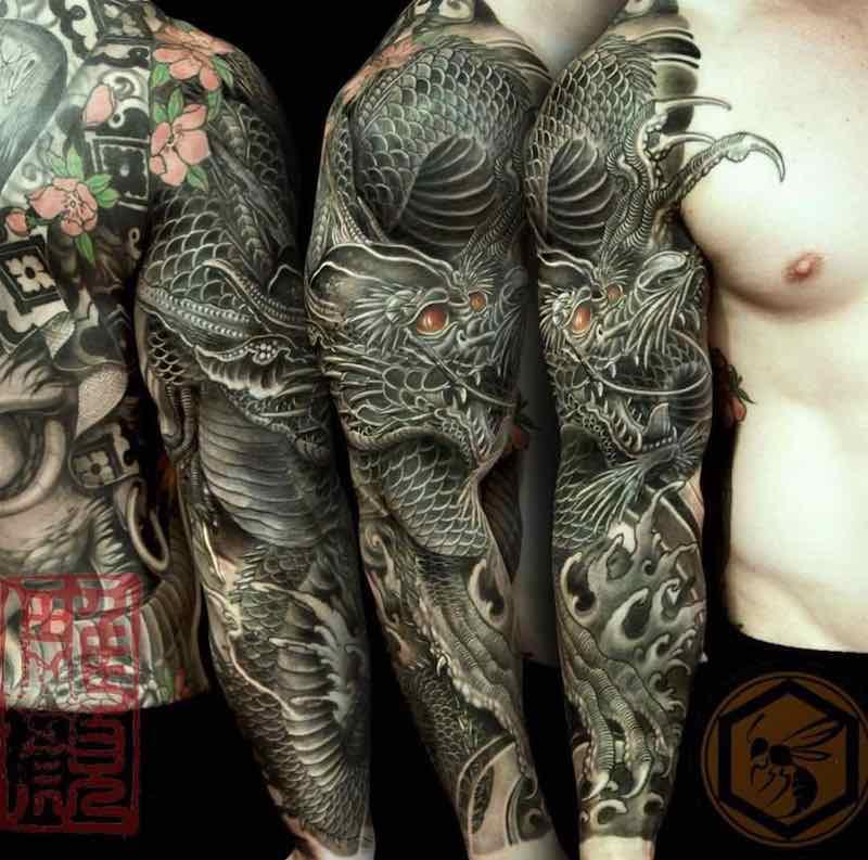Dragon Tattoo by Horiyen