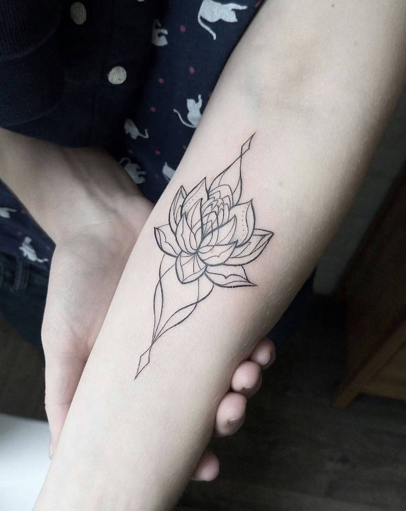 Lotus Tattoo - Dasha Sumkina