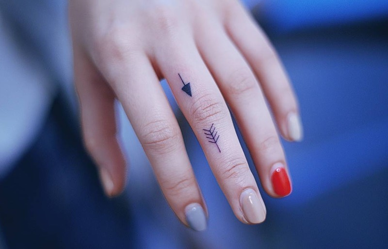 Arrow Finger Tattoo by Seoeon