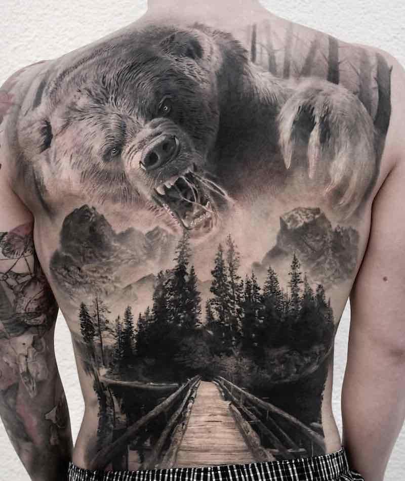 Bear Back Tattoo by Stefan