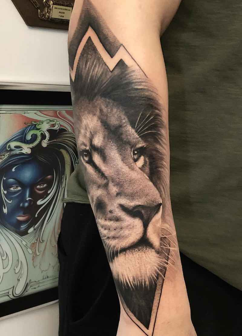 Lion Tattoo by Camilo Tuero Martinez