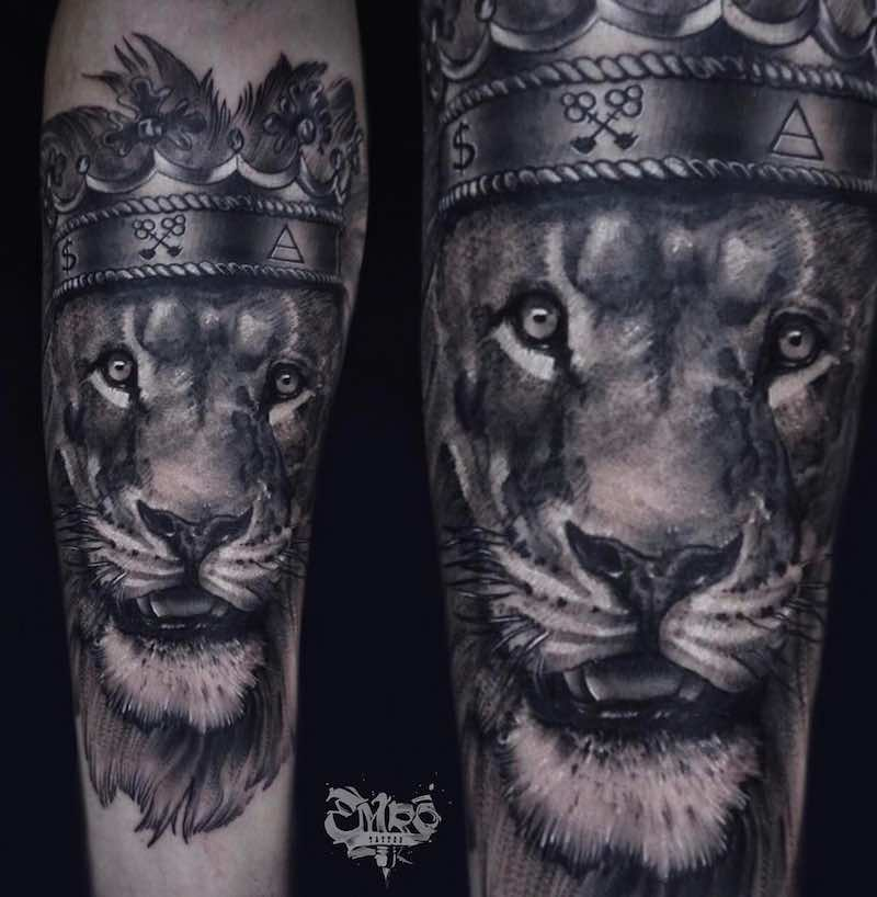 Lion with Crown Tattoo by Robert Ermac