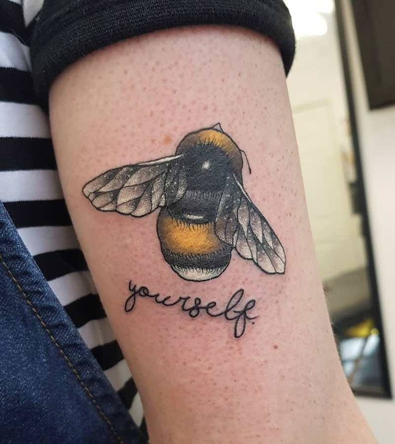 Bee Tattoo 3 by Ellis Arch