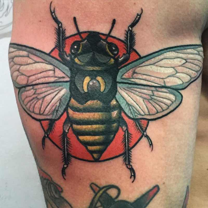 Bee Tattoo by Leah Tattooer