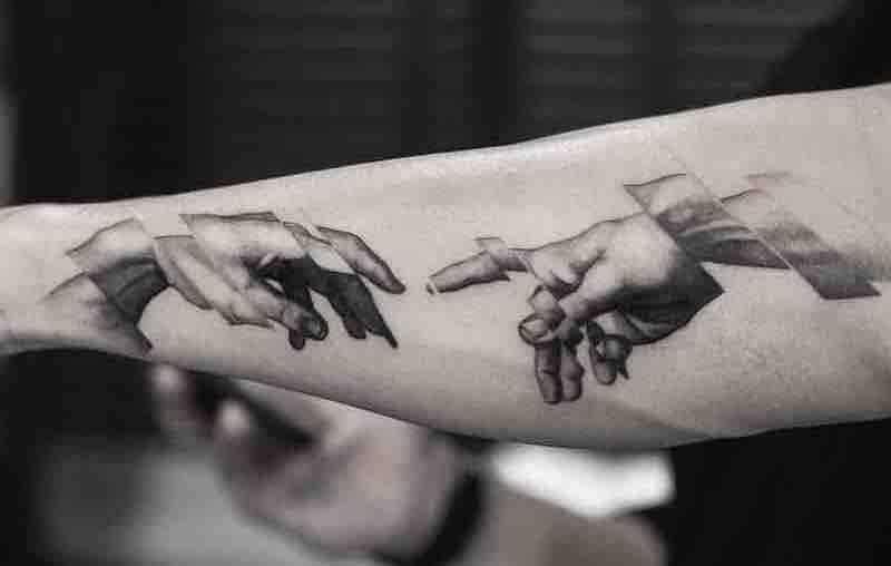 Hands Tattoo Oscar Akermo
