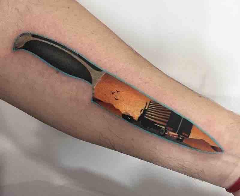Knife Tattoo by Daria Stahp