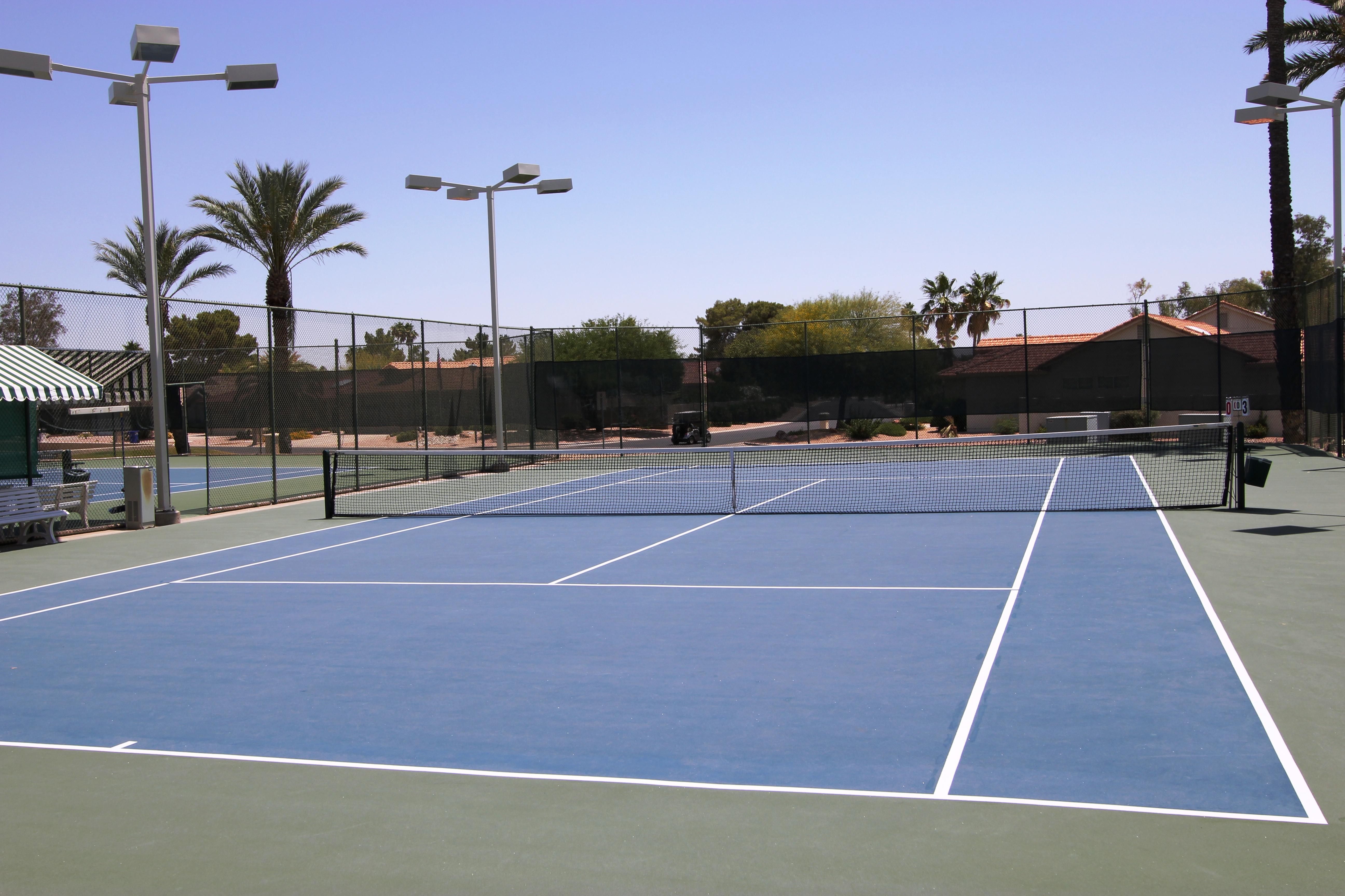 11 Tennis & Pickleball courts