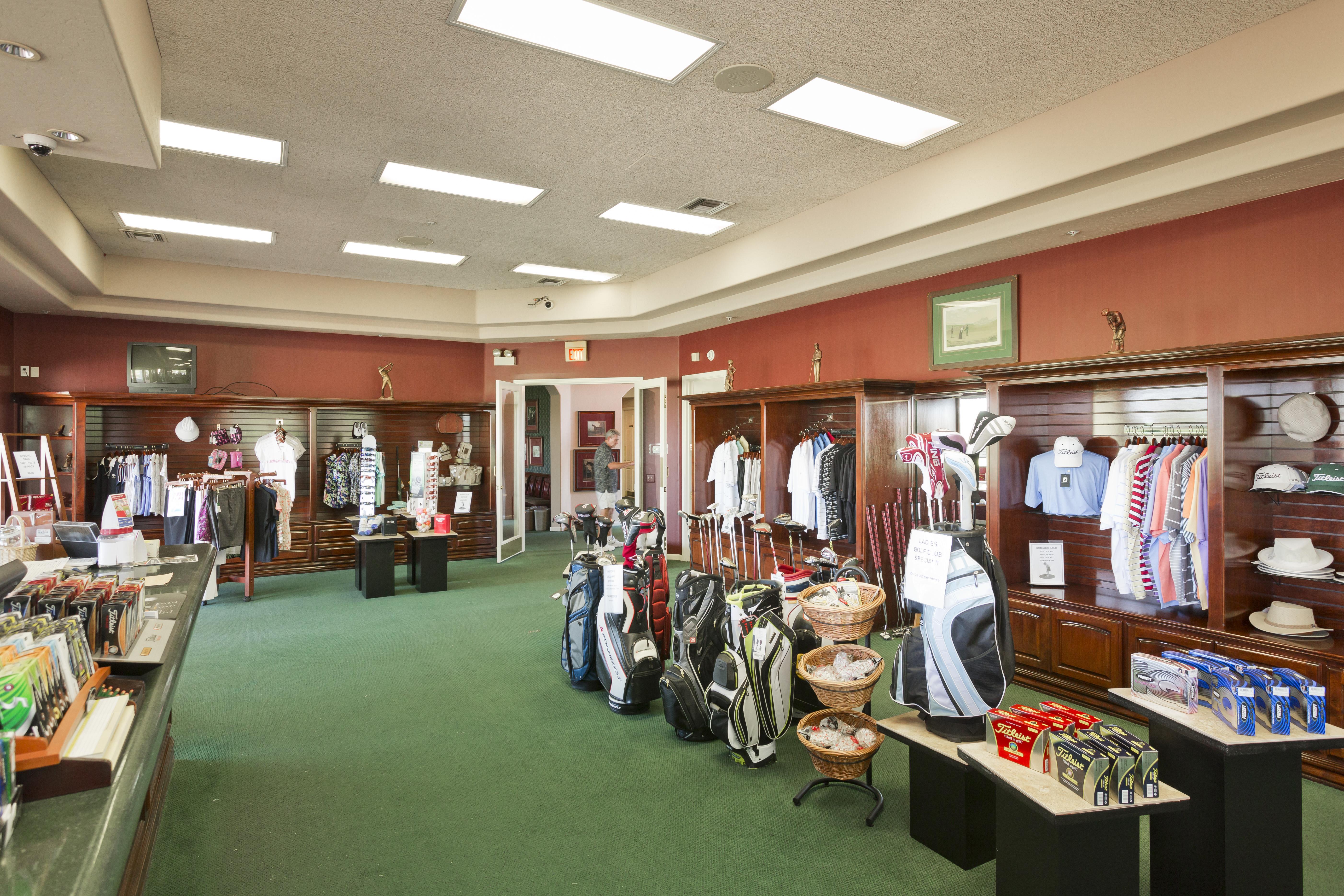 12 Oakwood Golf Pro Shop
